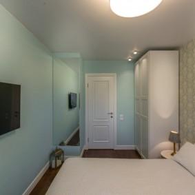 Papier peint en papier dans une petite chambre