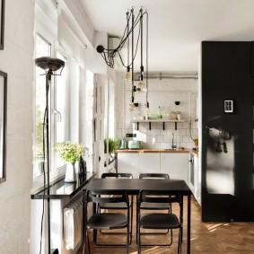 Table de cuisine noire