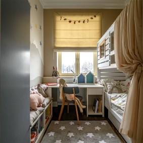 Chambre d'enfant dans deux pièces Khrouchtchev