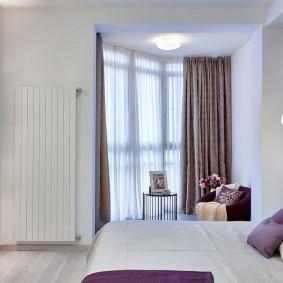 חדר שינה מואר בדירת בית פאנל
