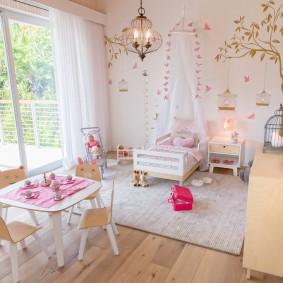 Mobilier de chambre bébé spacieux
