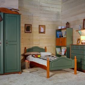 Meubles en bois dans la chambre des enfants