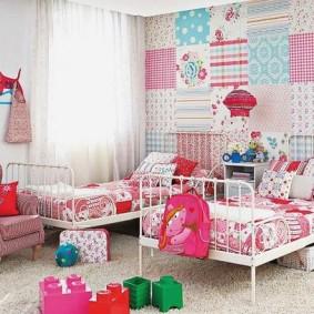 Papier peint patchwork dans la chambre de la fille