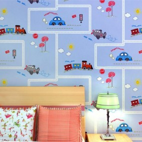 Papier peint bleu avec des voitures de bébé