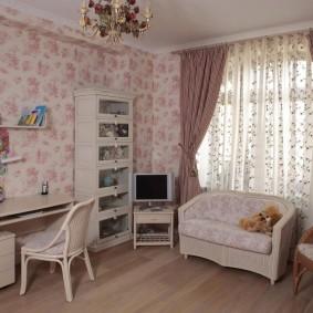 Chambre adolescent avec beau papier peint