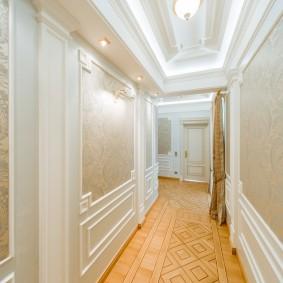 Intérieur de couloir étroit classique