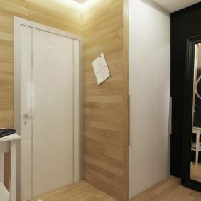 Petit hall d'entrée avec miroir au sol
