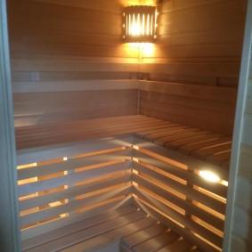 Étagères d'éclairage décoratives dans le sauna
