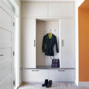 Type de combinaison d'armoire encastrée