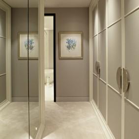 Linoléum en pierre dans un couloir étroit