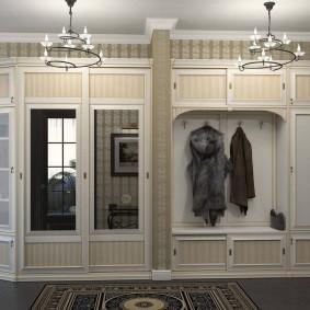 Mobilier classique pour un grand couloir