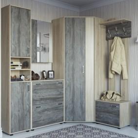 Façades grises de mobilier modulaire