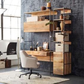 Petit mur avec un bureau