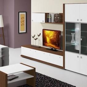 Mur de meubles avec buffet pour la vaisselle