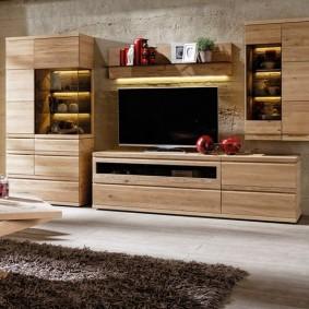 Finitions en bois pour meubles modernes