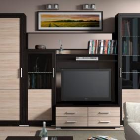 Mobilier élégant avec façades en matériaux combinés
