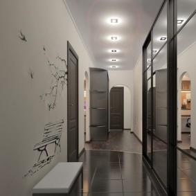 Cloisonnement d'un long couloir avec parquet
