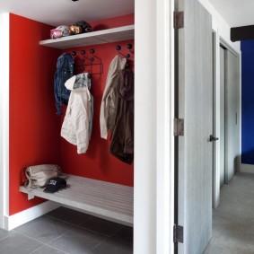 Cintre intégré dans la niche du couloir