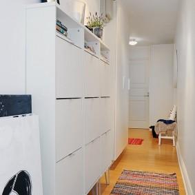 Meubles étroits pour un petit couloir