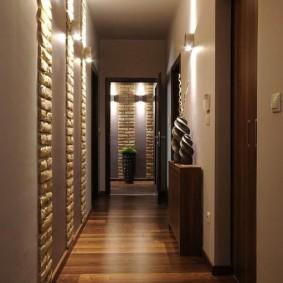 Stratifié croisé dans un petit couloir