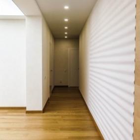 Panneaux blancs 3D dans un couloir étroit
