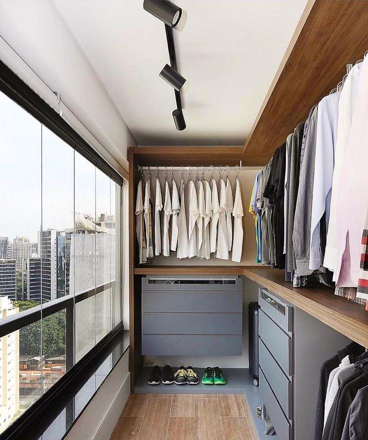 חדר הלבשה לגברים במרפסת המחוברת