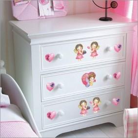commode pour un décor photo chambre d'enfant