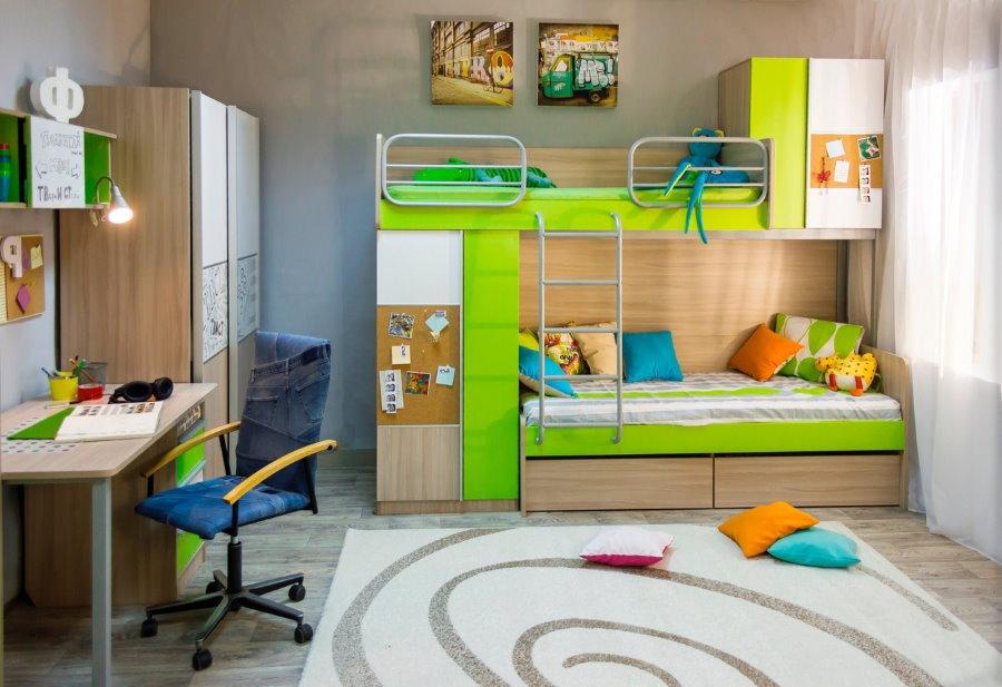 Mobilier modulaire dans une chambre pour deux enfants
