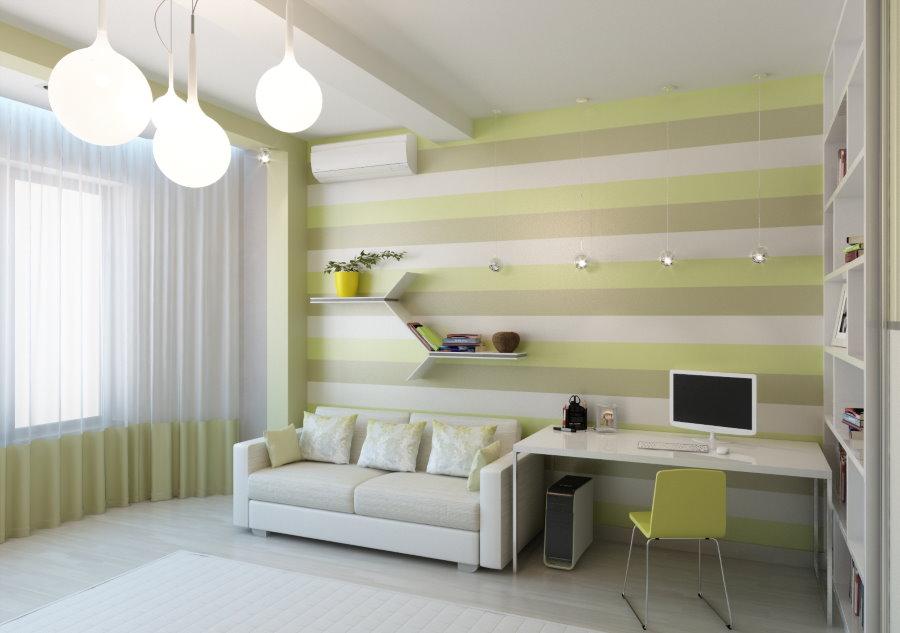 Papier peint à rayures dans la chambre d'un adolescent