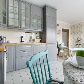 Papiers peints de style provençal pour une vue sur la cuisine