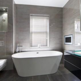 Revue de plancher de salle de bain