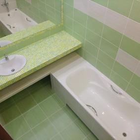 couler sur le décor de la salle de bain