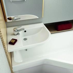 couler sur la conception de la photo de la salle de bain