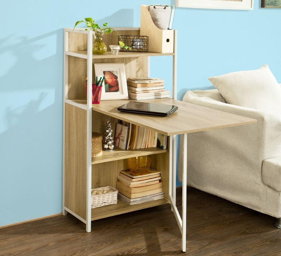 Table transformable avec plateau rabattable dans le salon