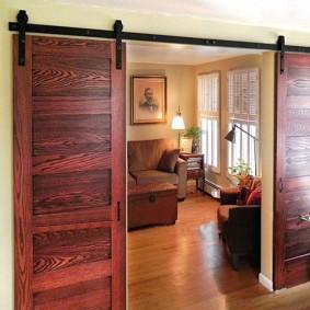 Double porte avec teinture à bois