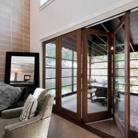 Portes pliantes à l'intérieur d'une maison privée
