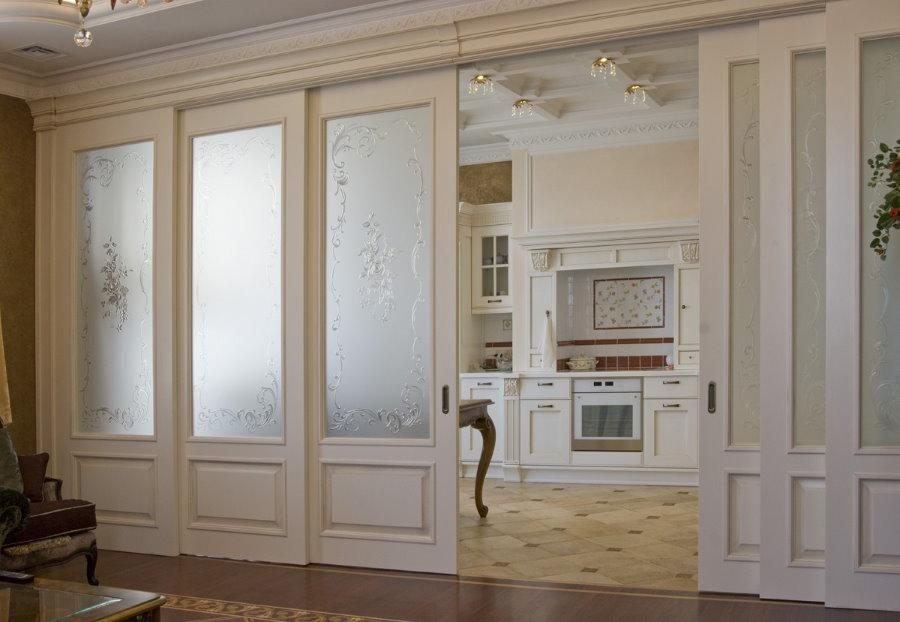 Portes coulissantes pour un intérieur luxueux de style classique