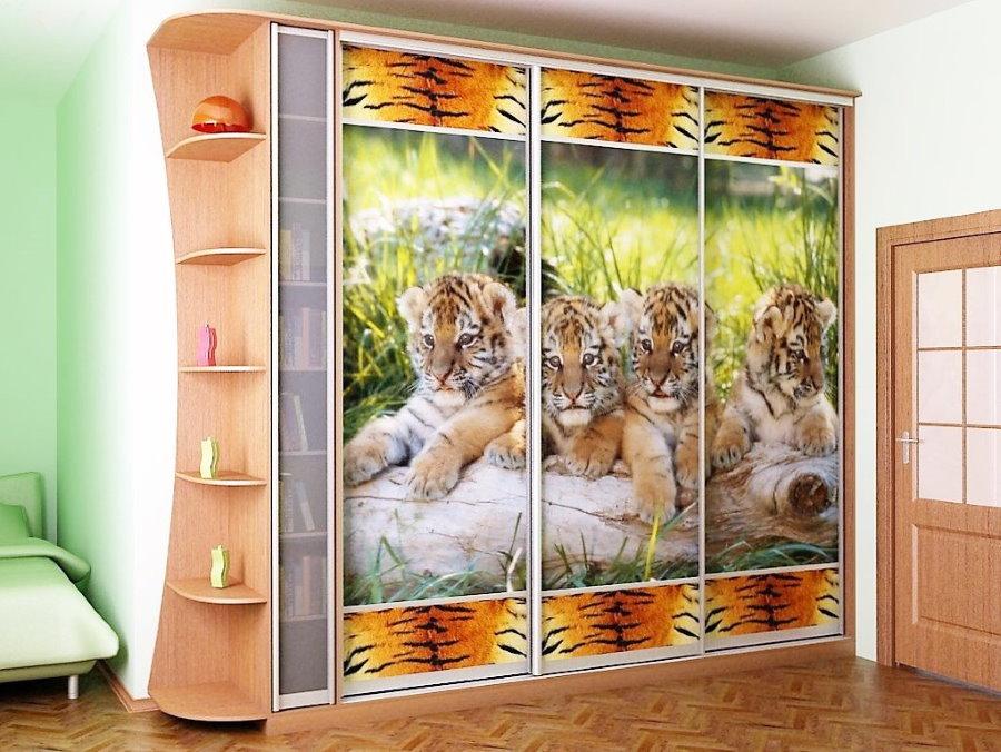 impression photo sur portes coulissantes d'une armoire coulissante
