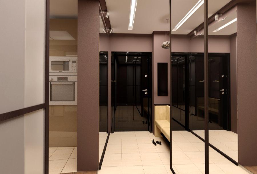 Armoire à miroir dans un couloir étroit