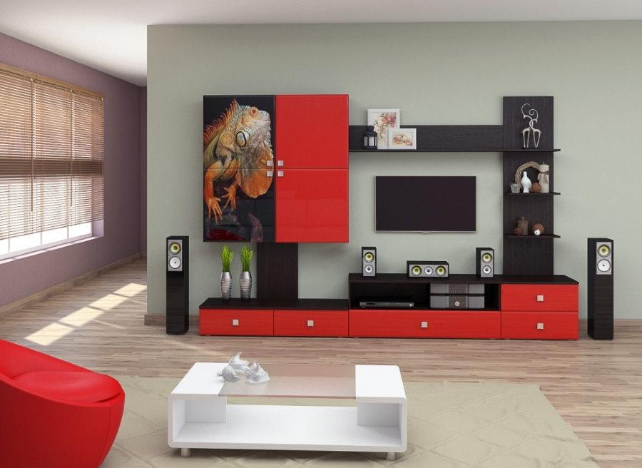 Toboggan rouge et noir avec façades brillantes