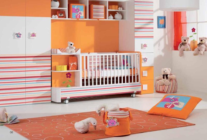 Mur d'enfants pour un petit enfant