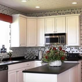 papier peint en vinyle à l'intérieur de la cuisine