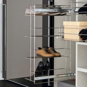 Étagère à chaussures rétractable pratique