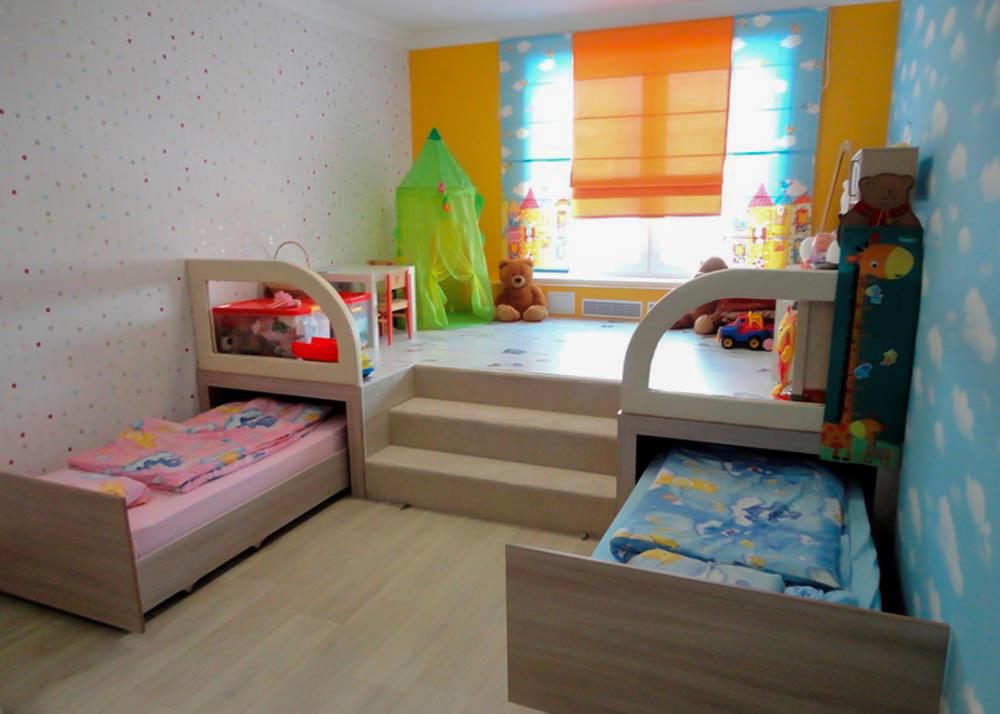 Lits gigognes dans une chambre d'enfants de même sexe