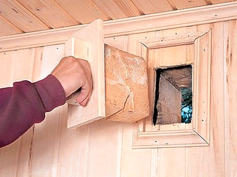 Bouchon d'aération dans le mini-sauna sur le balcon
