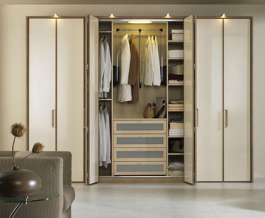 armoire dans le couloir