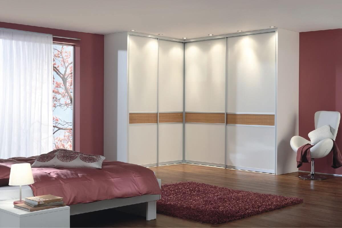 خزانة الزاوية في غرفة النوم